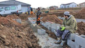 Hromada zavadlého betonu